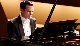 grand-piano-elijah-wood
