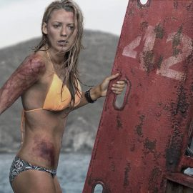 blake_lively_the_shallows_photo