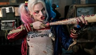 Harley-quinn-takes-a-shot-at-Suicide-Squad-critics